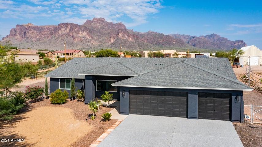 327 N BOYD Road, Apache Junction, AZ 85119