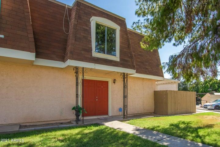 8201 N 34TH Drive, Phoenix, AZ 85051