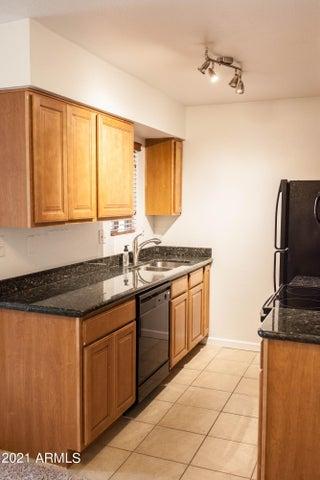 5877 N Granite Reef Road, 2216, Scottsdale, AZ 85250