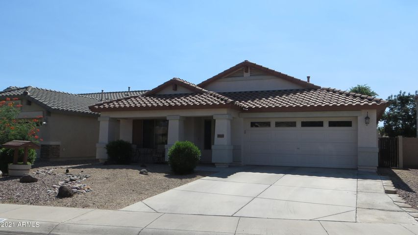 38438 N BEVERLY Avenue, San Tan Valley, AZ 85140