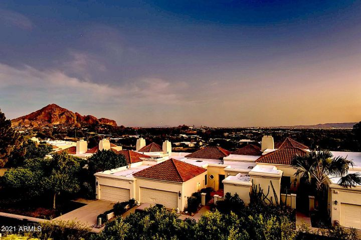 Views from all primary living spaces: Camelback Mountain and the Phoenix Skyline