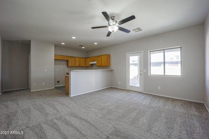 6825 N 81ST Drive, Glendale, AZ 85303