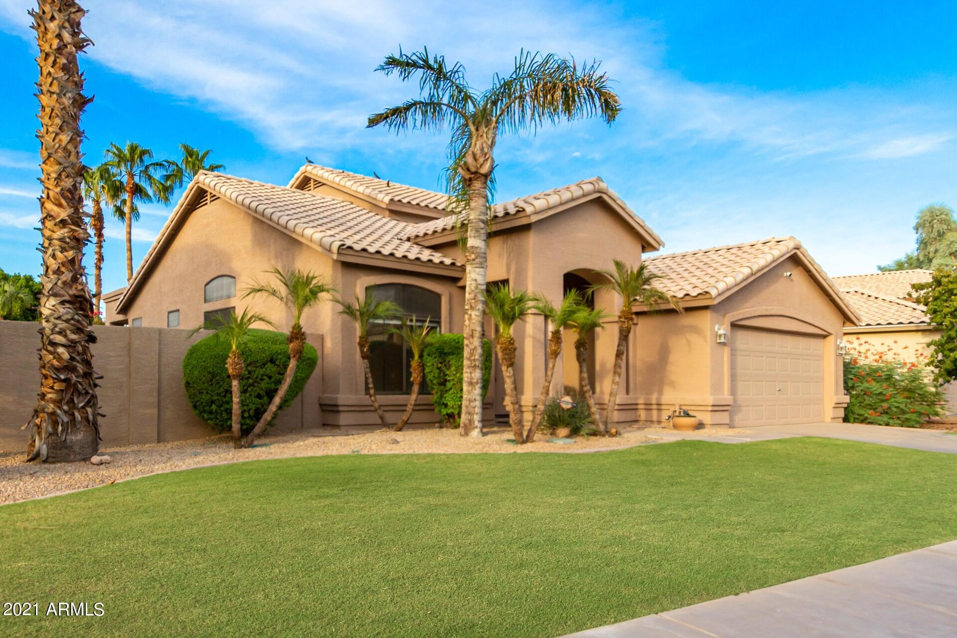 2142 W REDWOOD Drive, Chandler, AZ 85248