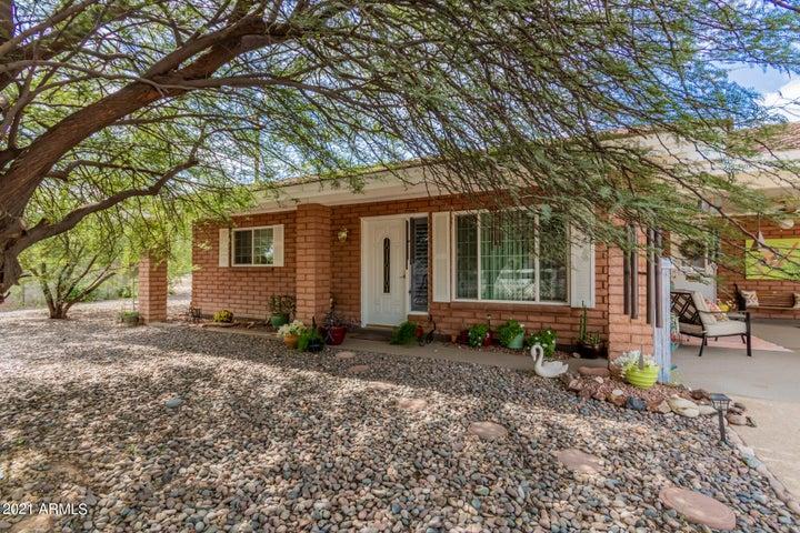 1740 N LINDSAY Road, Mesa, AZ 85213