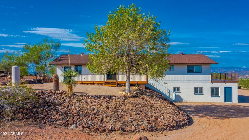 1039 S SAGUARO Drive, Wickenburg, AZ 85390
