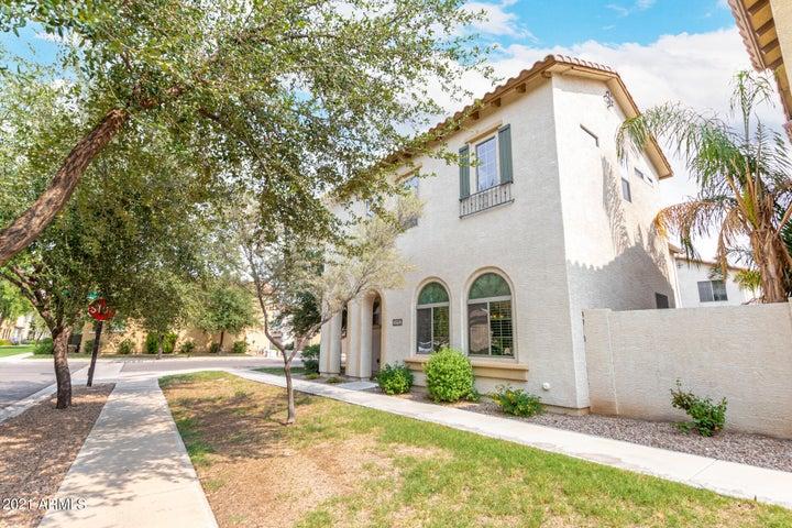 3512 S BANDIT Road, Gilbert, AZ 85297