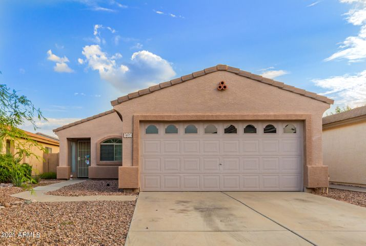 857 E MONTELEONE Street, San Tan Valley, AZ 85140