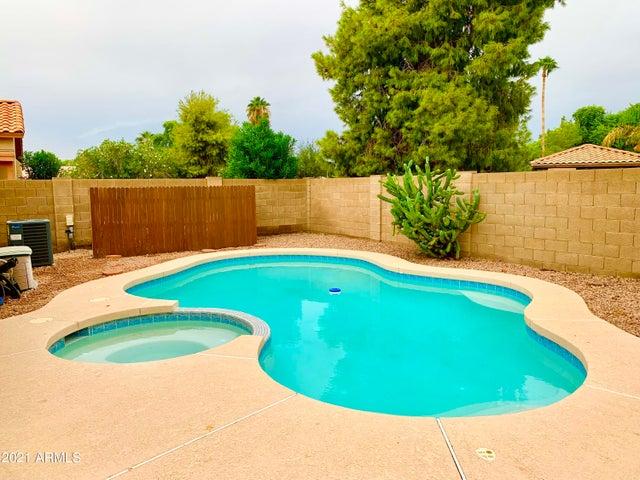 2470 S APACHE Drive, Chandler, AZ 85286