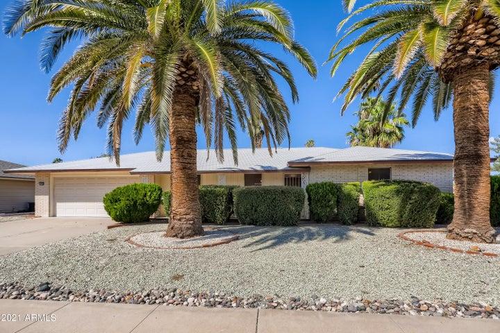 10702 W PINEAIRE Drive, Sun City, AZ 85351