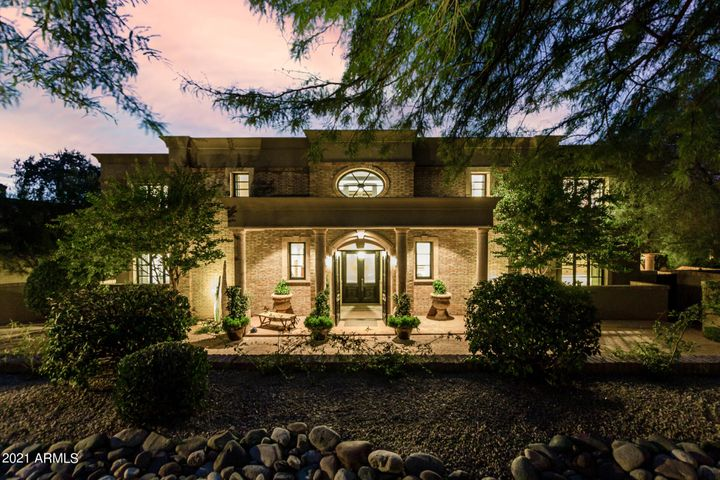 Magnificence abounds in this Scottsdale guard-gated estate set in one of the prettiest subdivisions in the county.