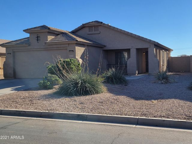3 bed, 2 bath, 2 car garage, leased solar panels, vegetable/flower gardens--lovely Maricopa Home For Sale