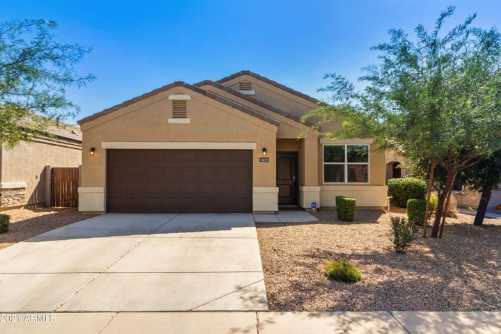 All 1 story homes immediately surround this great home!