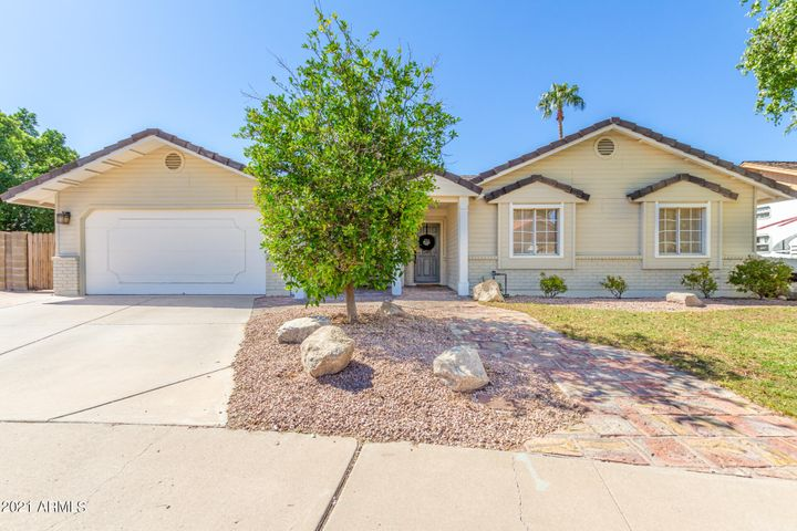 1917 E ELLIS Circle, Mesa, AZ 85203