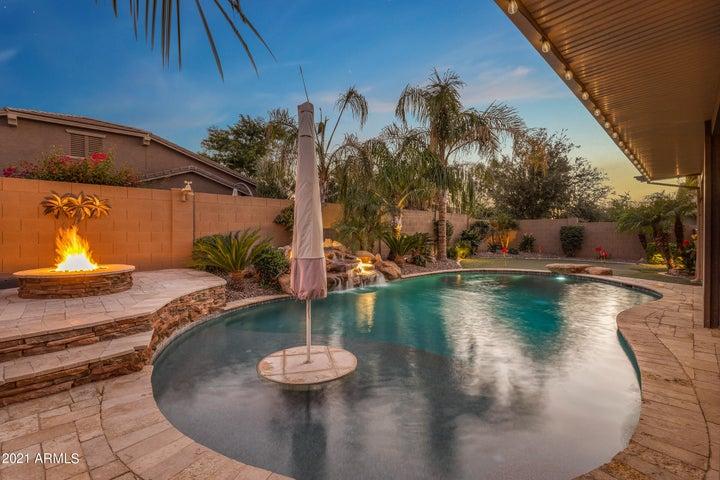 671 W LEATHERWOOD Avenue, Queen Creek, AZ 85140