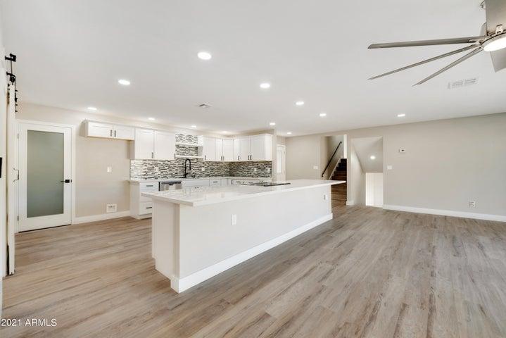 4820 W HAYWARD Avenue W, Glendale, AZ 85301