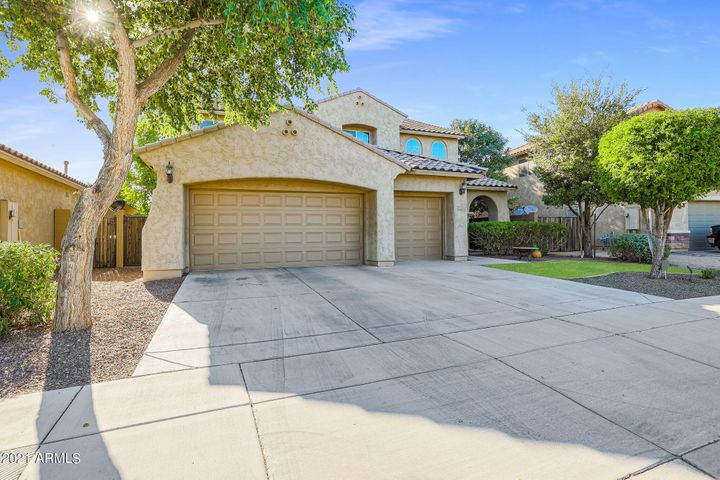 8718 N 180TH Drive, Waddell, AZ 85355