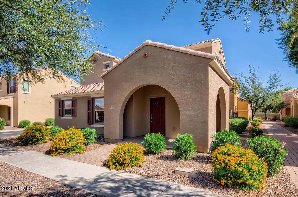 1853 S BALBOA Drive, Gilbert, AZ 85295