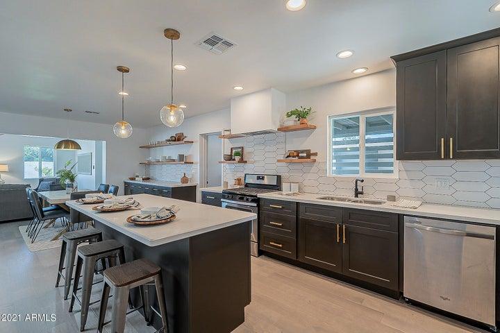 3831 N 8TH Avenue, Phoenix, AZ 85013