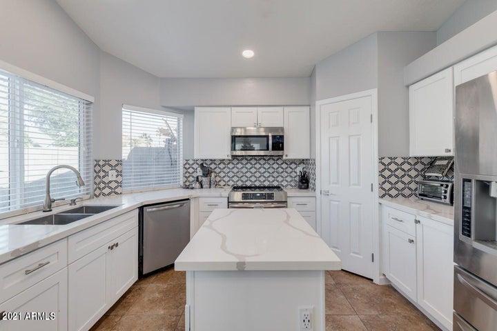 7554 E NAVARRO Avenue, Mesa, AZ 85209
