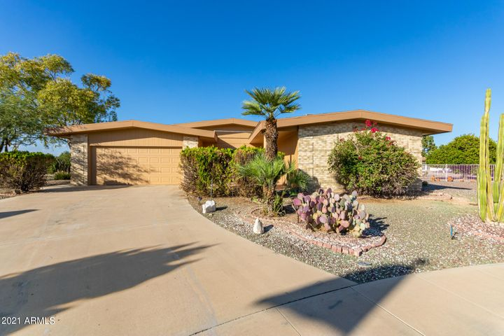 11210 W PUEBLO Court, Sun City, AZ 85373