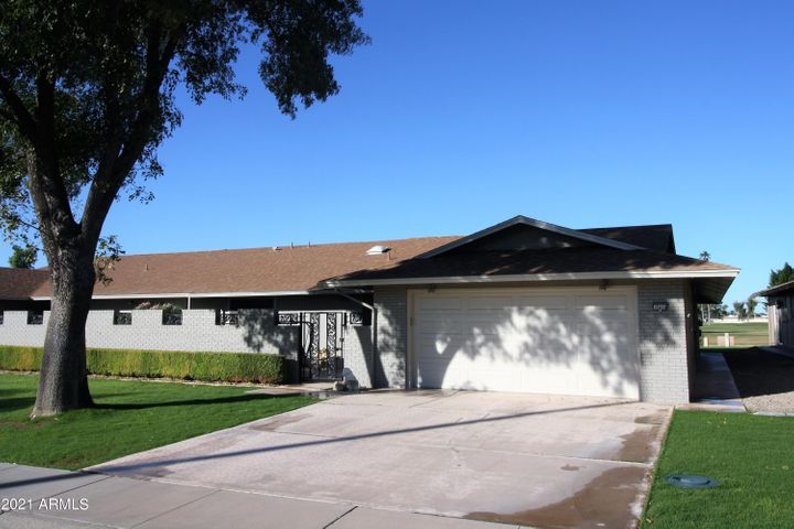18414 N 104TH Avenue, Sun City, AZ 85373