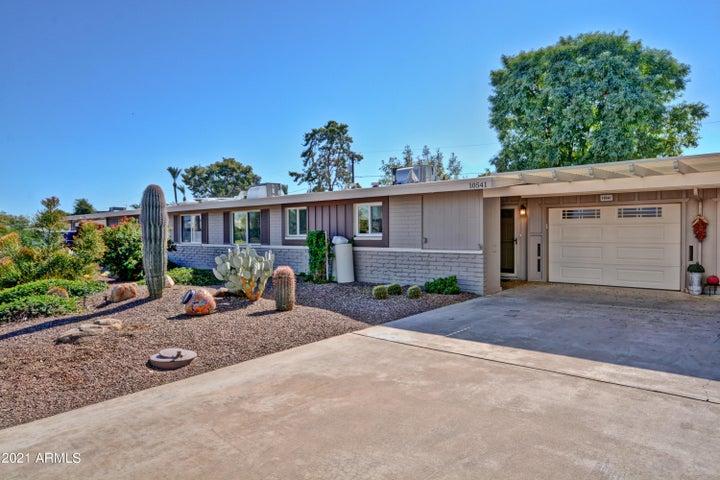10541 W OAKMONT Drive, Sun City, AZ 85351
