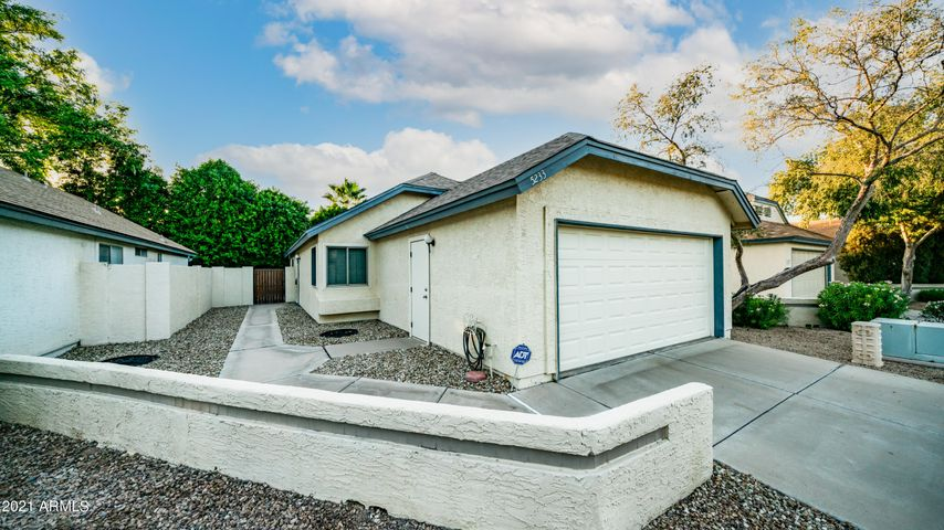 5233 W JUPITER Way N, Chandler, AZ 85226
