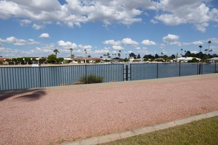 10330 W THUNDERBIRD Boulevard B113, Sun City, AZ 85351
