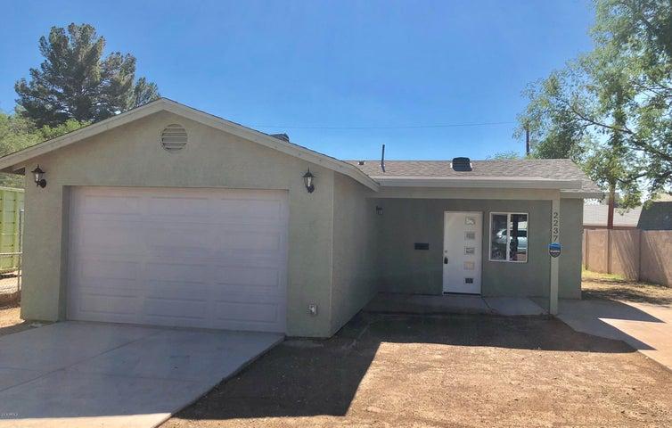 2237 W HIGHLAND Avenue, Phoenix, AZ 85015