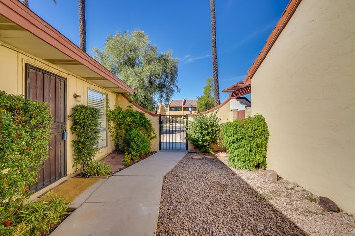 8241 N CENTRAL Avenue 10, Phoenix, AZ 85020