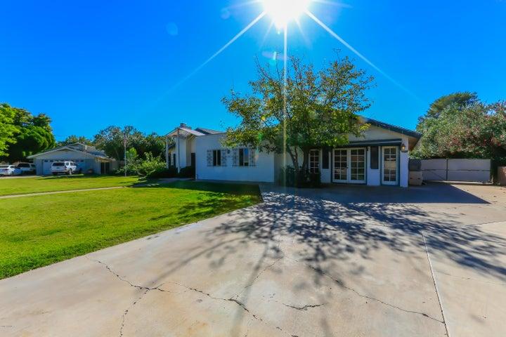 8547 E HIGHLAND Avenue, Scottsdale, AZ 85251