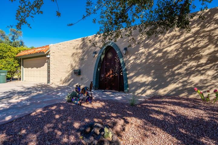 3240 E MINNEZONA Circle, Phoenix, AZ 85018
