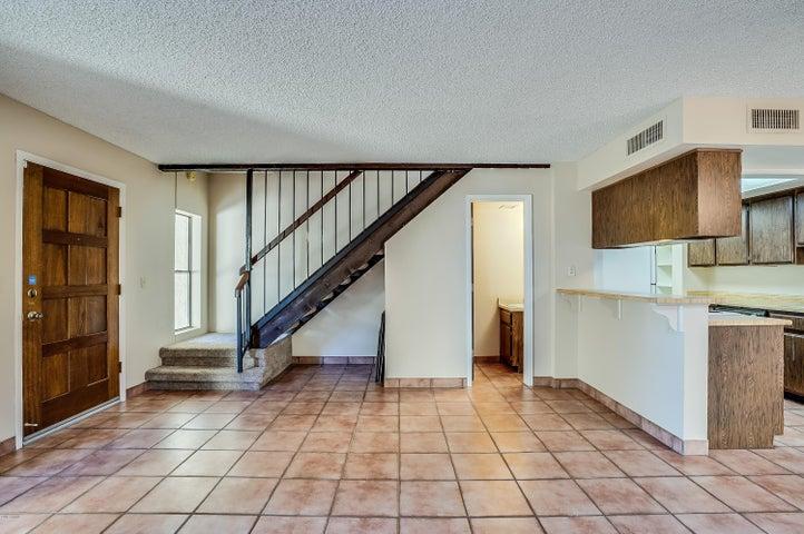 8653 S 51ST Street 2, Phoenix, AZ 85044