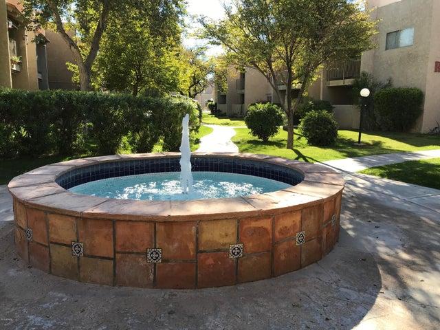 5525 E THOMAS Road D6, Phoenix, AZ 85018
