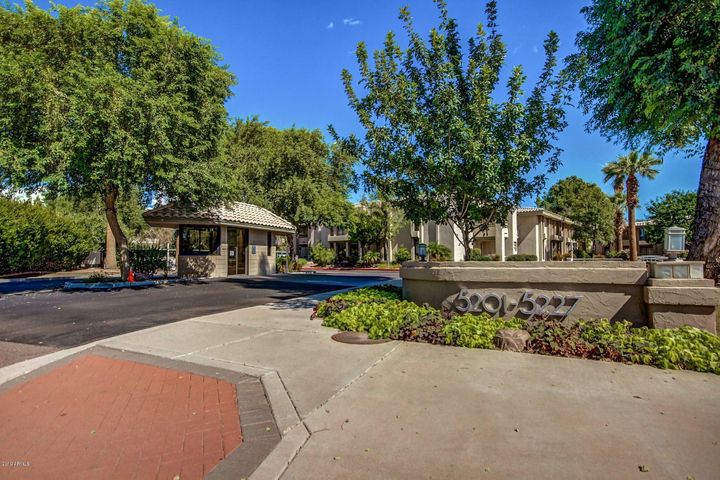 5221 N 24TH Street 205, Phoenix, AZ 85016