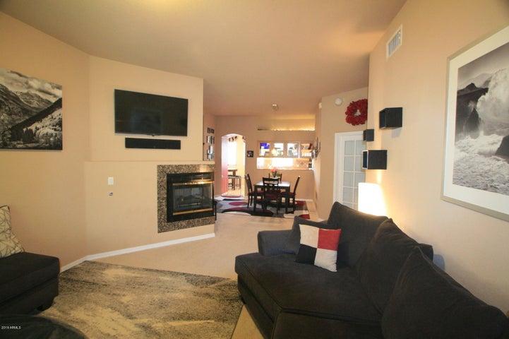 7887 N 16TH Street 211, Phoenix, AZ 85020