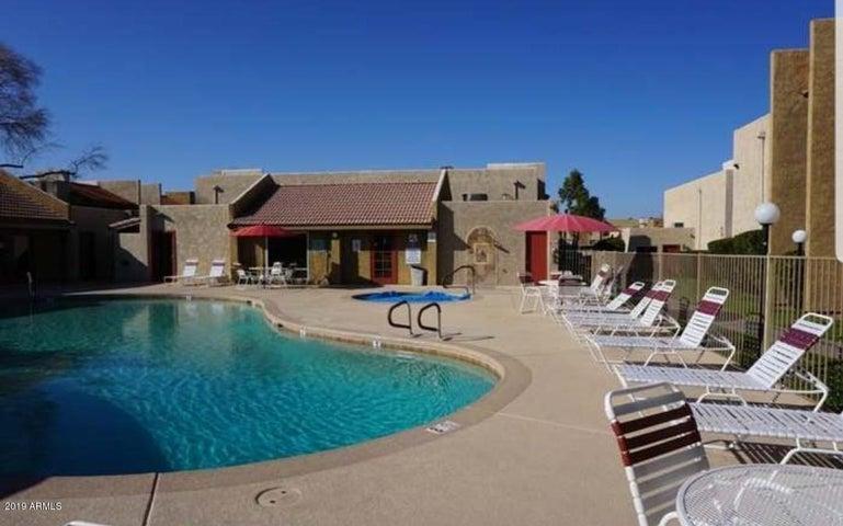 5525 E THOMAS Road B5, Phoenix, AZ 85018