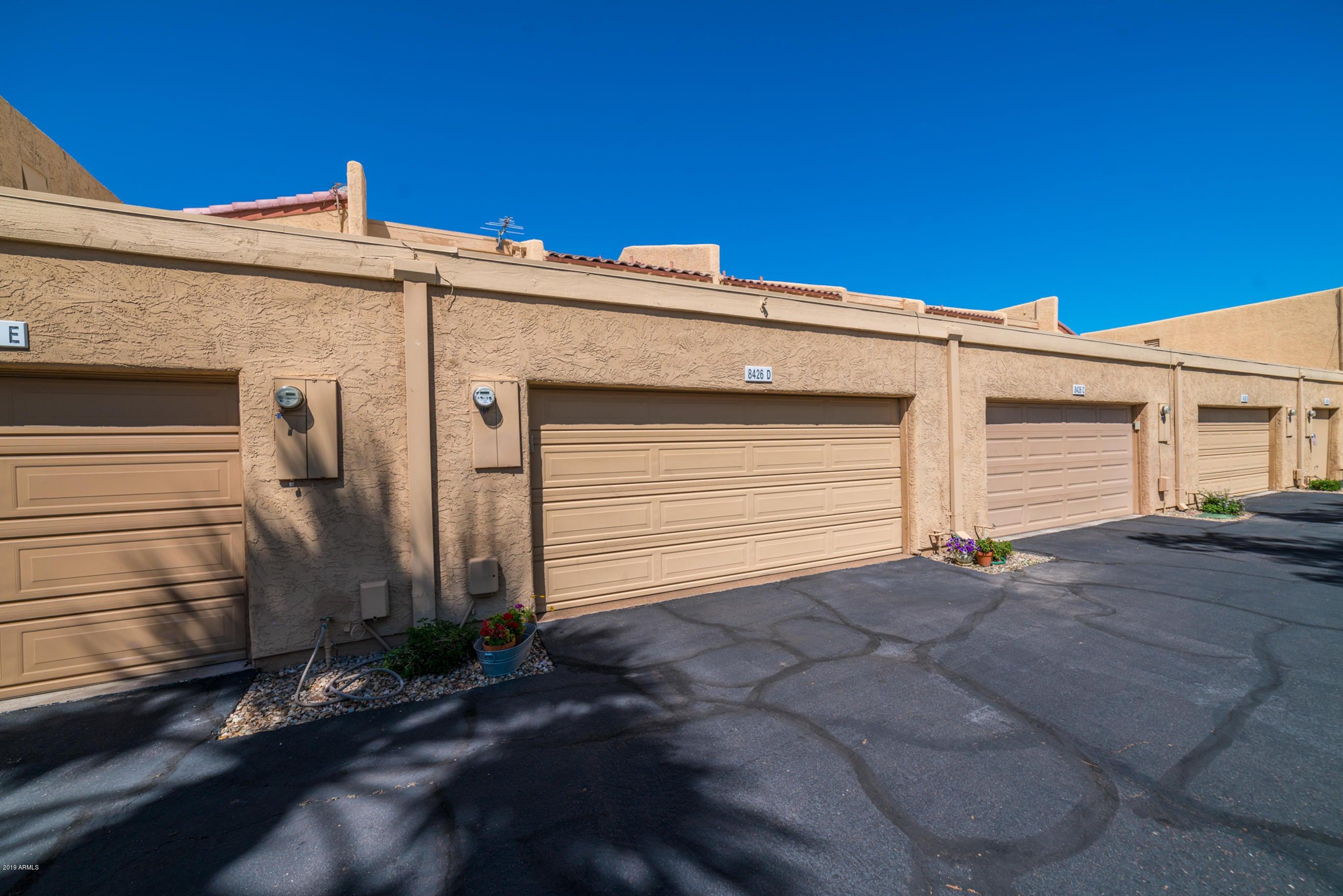 8426 N CENTRAL Avenue D, Phoenix, AZ 85020