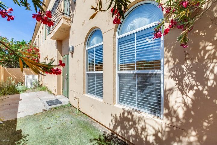 5015 E CHEYENNE Drive 18, Phoenix, AZ 85044