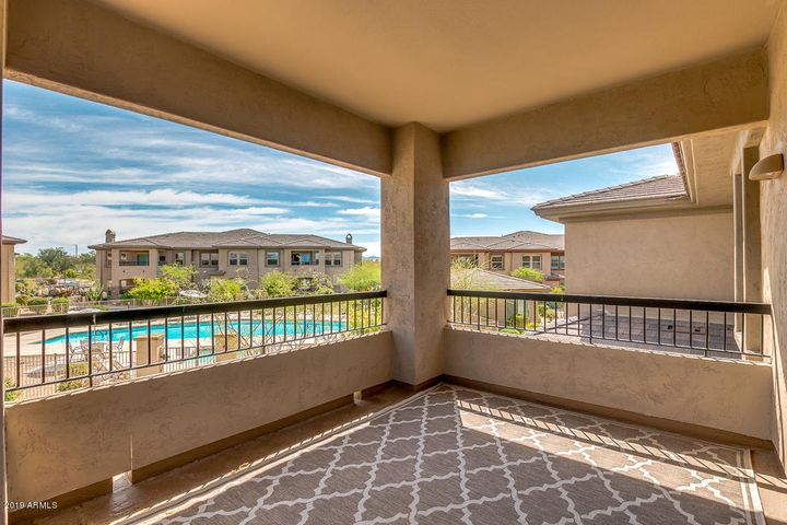 33575 N DOVE LAKES Drive 2028, Cave Creek, AZ 85331
