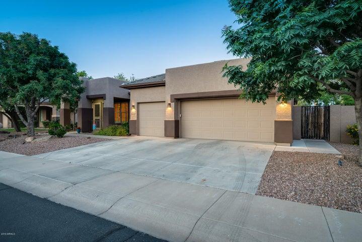 9409 S 43RD Drive, Laveen, AZ 85339