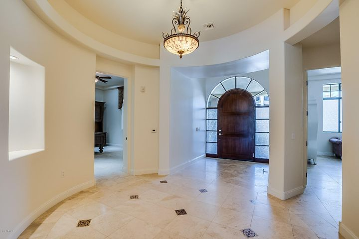 2 BILTMORE Estates 113, Phoenix, AZ 85016