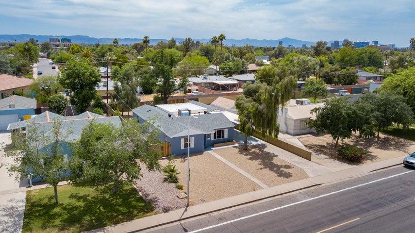 1913 E CAMPBELL Avenue, Phoenix, AZ 85016