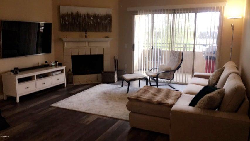 16013 S DESERT FOOTHILLS Parkway 2033, Phoenix, AZ 85048