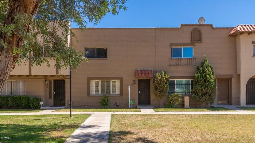 2956 E CLARENDON Avenue, Phoenix, AZ 85016