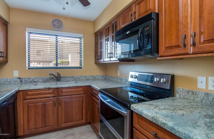 16528 E GUNSIGHT Drive 106, Fountain Hills, AZ 85268