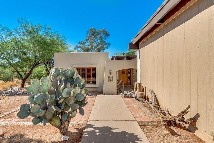37801 N CAVE CREEK Road 33, Cave Creek, AZ 85331