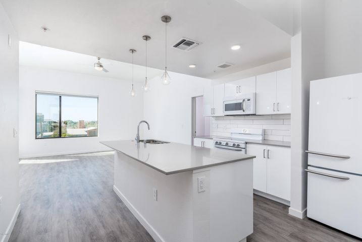 1130 N 2nd Street 408, Phoenix, AZ 85004