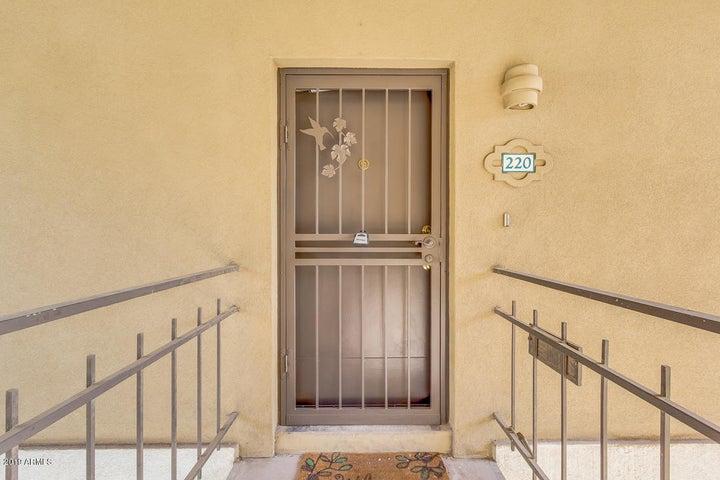 2233 E HIGHLAND Avenue 220, Phoenix, AZ 85016