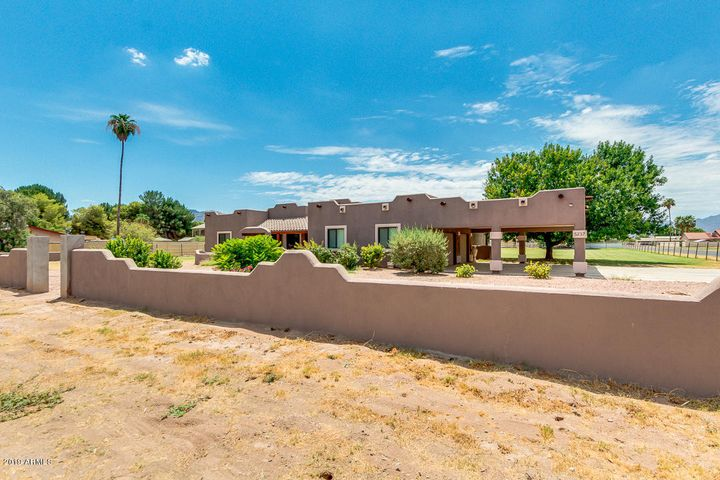 5237 W LA MIRADA Drive, Laveen, AZ 85339
